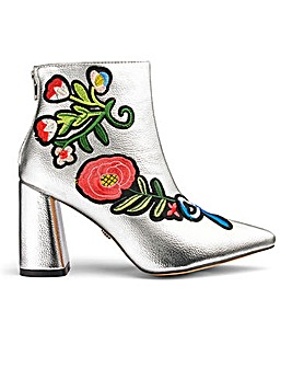 Daisy Street Metallic Embroidered Boots
