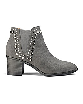 Sole Diva Edita Stud Detail Boots E Fit