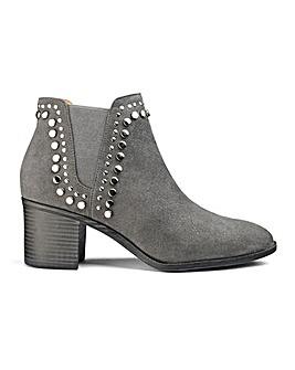 Edita Stud Detail Boots E Fit
