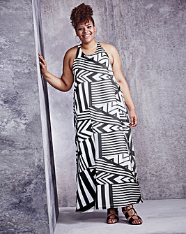 Black/White Trapeze Print Maxi Dress