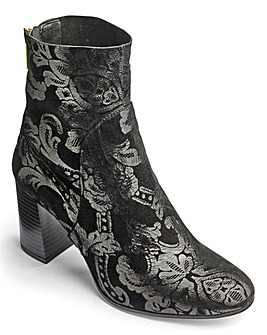 Sole Diva Brocade Boots D Fit