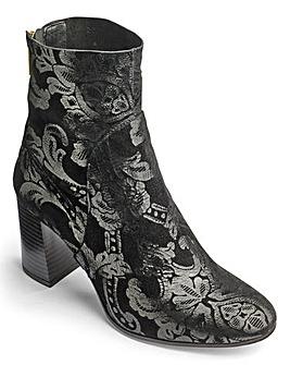 Sole Diva Brocade Boots D Fit