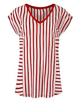 Red Stripe V-neck T-shirt