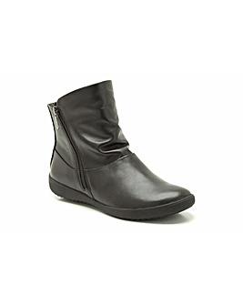 Clarks Livvy Belgrave Boots
