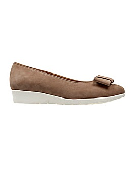 Van Dal Sapphire Shoe