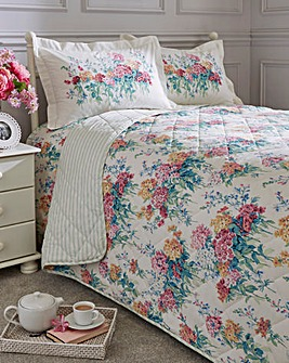 Sanderson Sweet William Quilted Throw