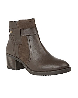 LOTUS MAKAYLA ANKLE BOOTS