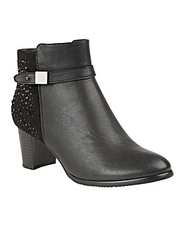 LOTUS TINA ANKLE BOOTS