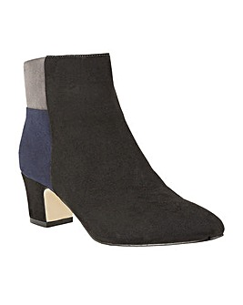 LOTUS CLARA ANKLE BOOTS