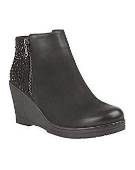 LOTUS BRISA WEDGE BOOTS