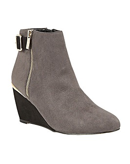 LOTUS CASSIA ANKLE BOOTS