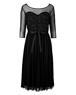 Scarlett & Jo Guipure Lace Dress
