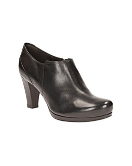 Clarks Chorus True Shoes