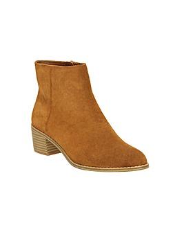 Clarks Breccan Myth Boots