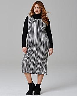 Black/ Ivory Stripe Plisse Shift Dress