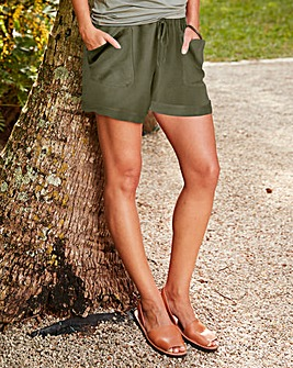 Soft Woven Shorts With Bellow Pockets