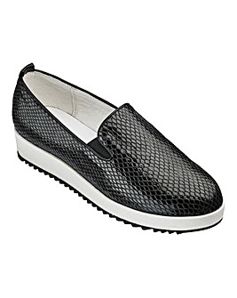 Heavenly Soles Slip On Shoes D Fit