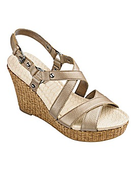 Naturalizer Wedge Sandals D Fit