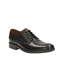 Clarks Truxton Plain Shoes