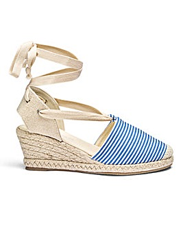 Heavenly Soles Tie Espadrilles E Fit