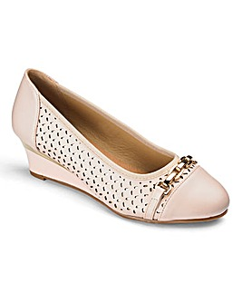 Heavenly Soles Wedge Shoes E Fit