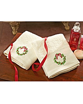 Christmas Wreath Hand Towel Pair