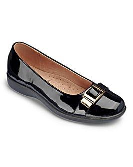 Cushion Walk Buckle Trim Shoes EEE
