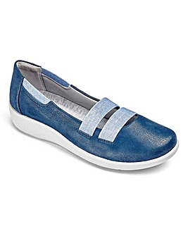 Clarks Sillian Rest Slip On Shoes E Fit