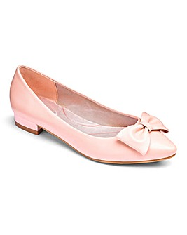 Heavenly Soles Flat Point Shoes E Fit