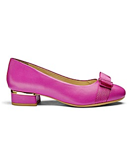 Heavenly Soles Court Shoes E Fit