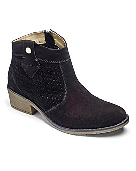 Heavenly Soles Suede Boots D Fit