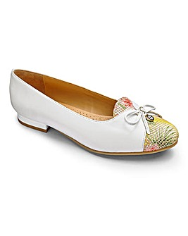 Van Dal Bow Trim Leather Shoes D Fit