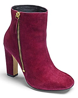 Sole Diva Square Toe Boots EEE Fit