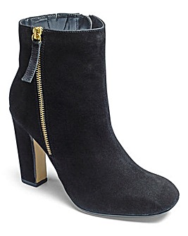 Sole Diva Square Toe Boots E Fit