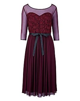 Scarlett & Jo Lace And Chiffon Dress