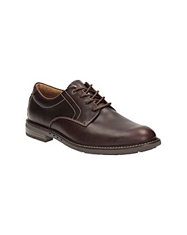 Clarks Unelott Plain Shoes