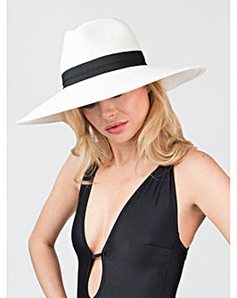Pia Rossini Cabo Hat