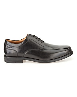 Clarks Beeston Stride Shoes H fitting
