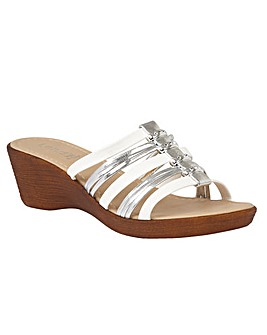 LOTUS ELLETRA CASUAL SANDALS