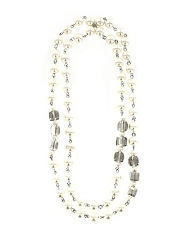 Lizzie Lee Long Pearl Effect Necklace