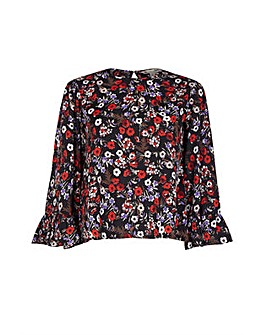 Yumi Curves Ditsy Flute Sleeve Top