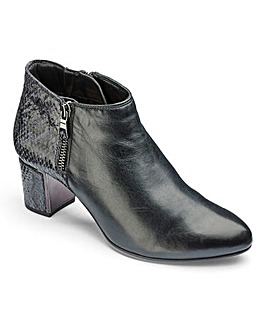 Van Dal Ankle Boots D Fit