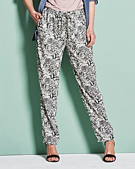 Woven Printed Hareem Trousers Regular