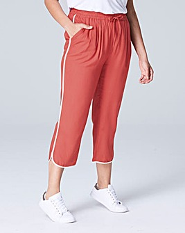 Curved Split Hem Slim Crop Trouser