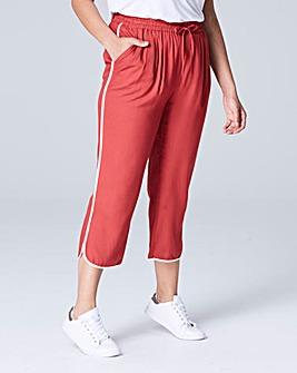 Curved Split Hem Slim Crop Trouser