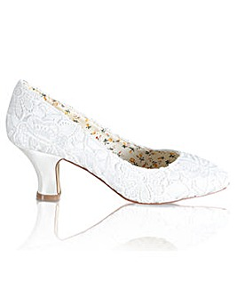 Perfect Lace Court Shoe