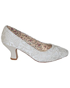 Perfect Lace Court Shoe