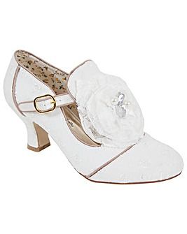 Perfect Vintage Inspired Dolly Shoe
