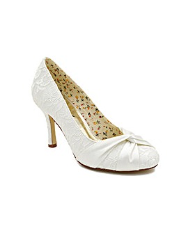 Perfect Lace Closed Toe Court