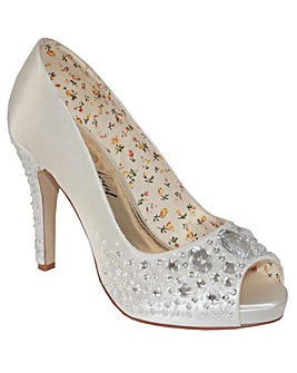 Pefect Hand Crafted Jewel Shoe